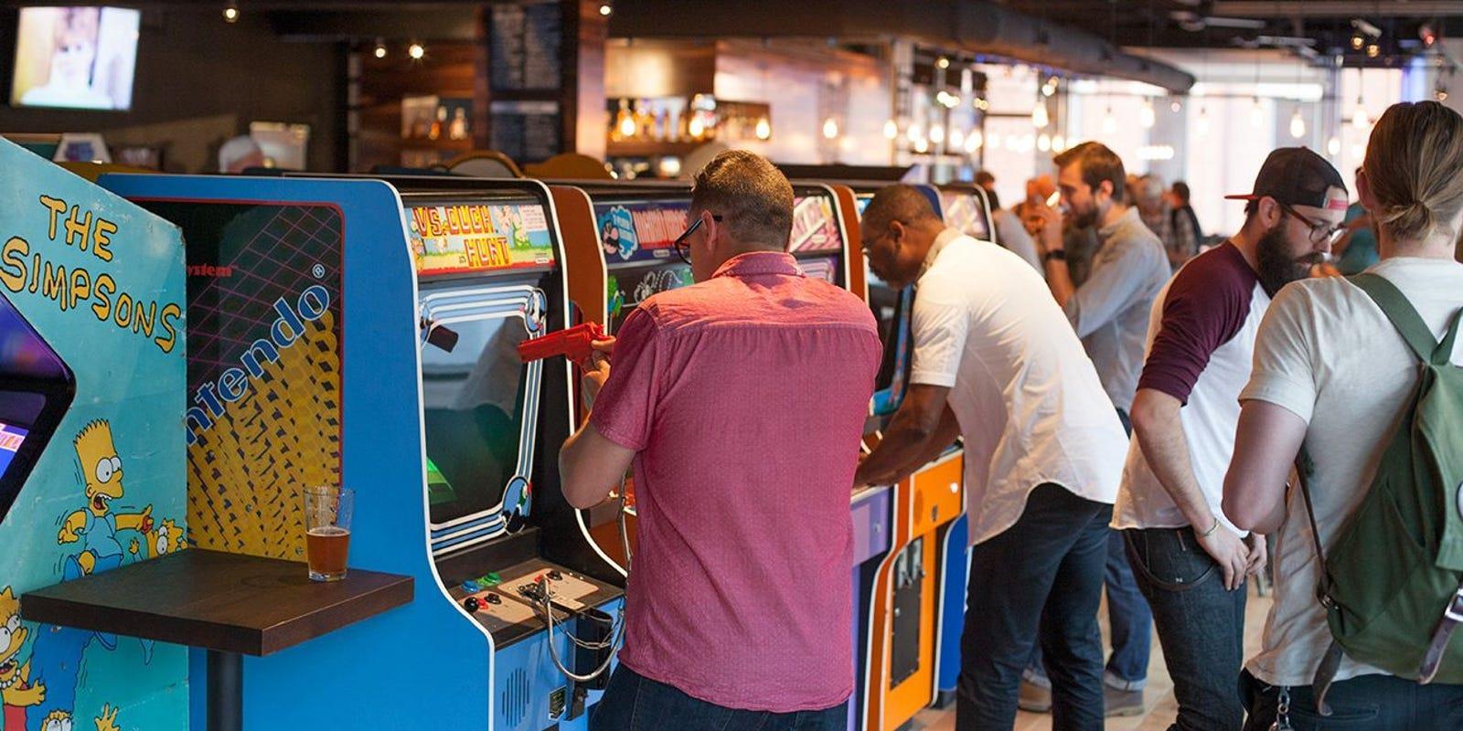 16-bit Bar +Arcade Indy